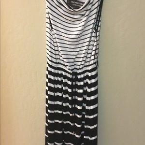 Dresses & Skirts - Spense PXS blk & wht cotton knit dress comfy